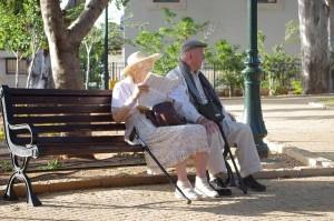 Starobní důchod přináši i finanční starosti